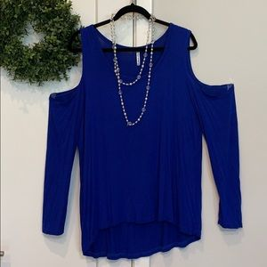 Thin long sleeve open shoulder top